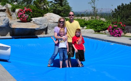 Safety_automatic pool cover