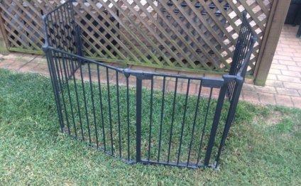 Kids safety fence