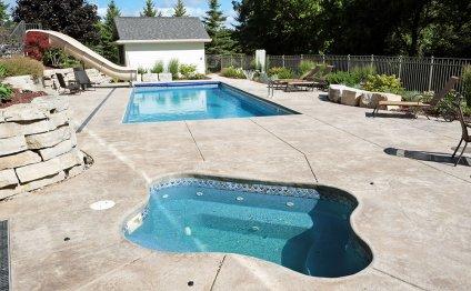 Indoor/Outdoor Pool and Hot