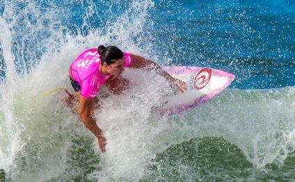 Australians score surfing wins